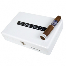 alec-bradley-blind-faith-robusto-20kusujpg